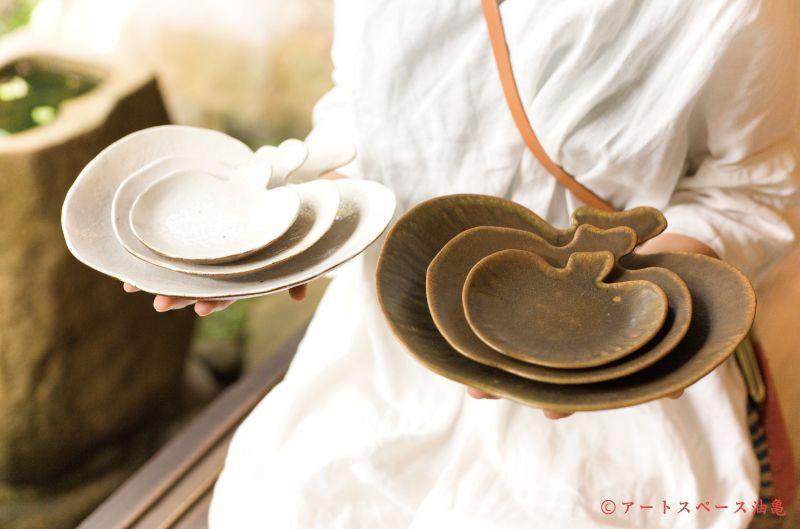 アートスペース油亀企画展 古谷浩一のうつわ展「白い雲」web通販展 同時開催中。<新作!!>古谷浩一「錆釉 りんご皿 シリーズ」