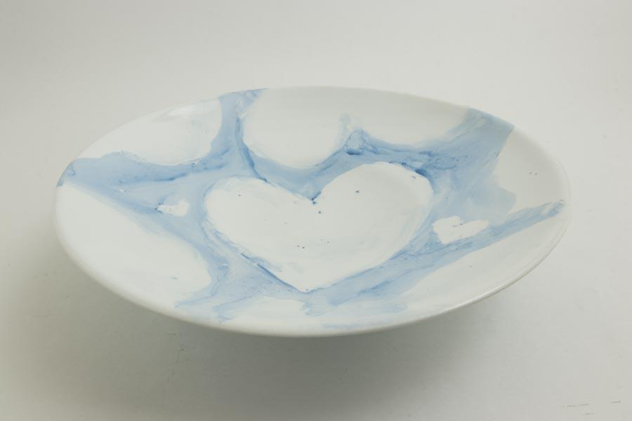 画像2: 許斐良助「天草陶石 皿 青い空とハートの雲」