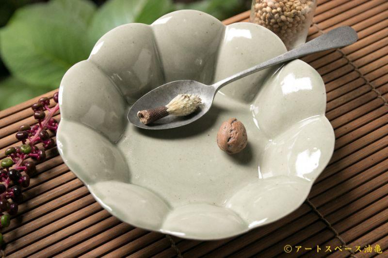 画像1: 高島悠吏 青白磁 輪花鉢 中