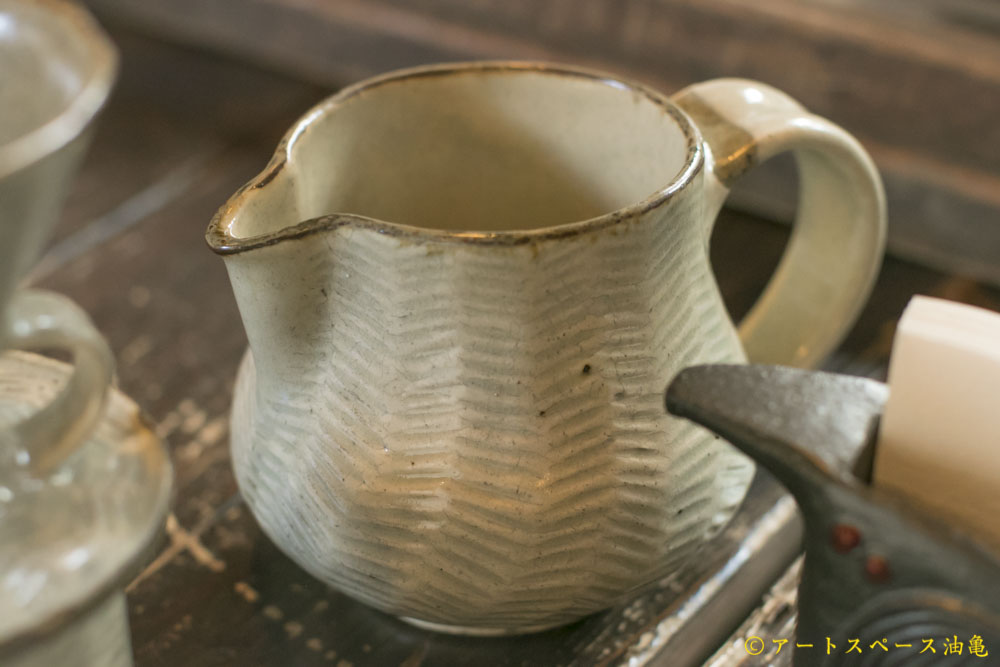 画像1: 江口誠基「彫粉引コーヒーサーバー」