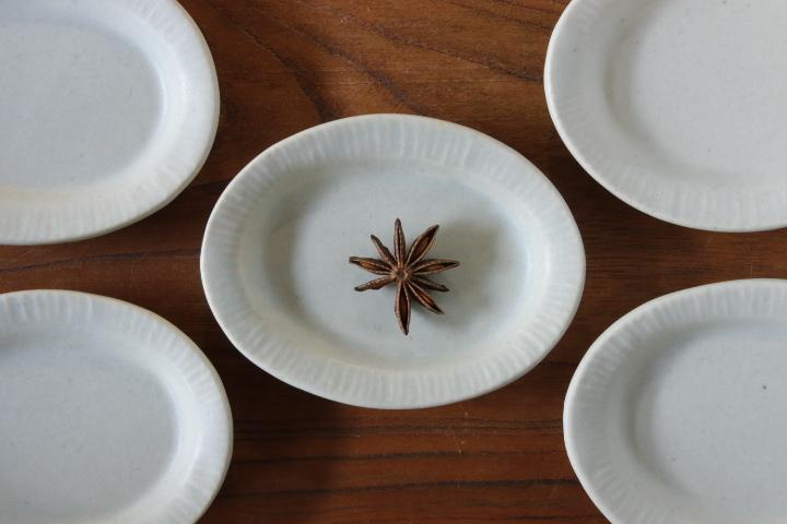 画像1: 江口香澄「白だ円小皿」【アソート作品】
