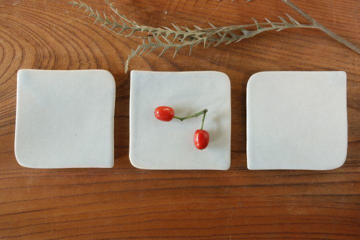 画像1: 江口香澄「白石畳豆皿」【アソート作品】