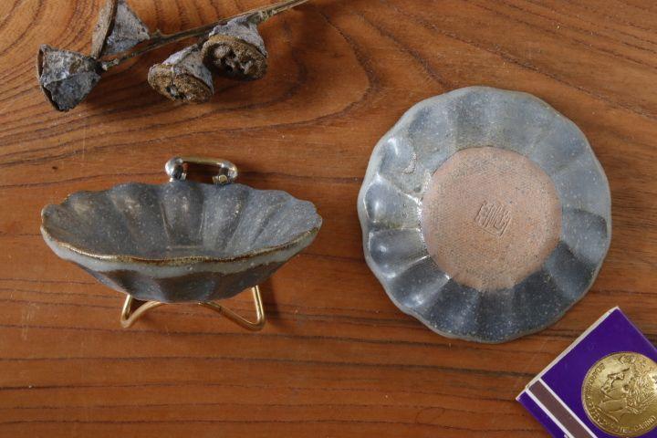 画像2: 古谷浩一「グレー釉 輪花深皿 豆」
