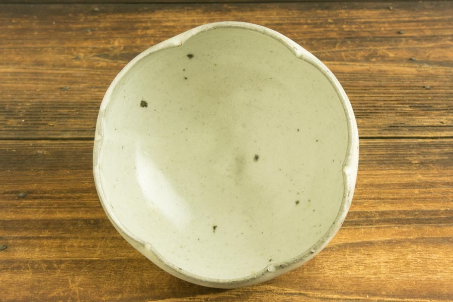 画像1: 八田亨「青粉引4寸輪花鉢」