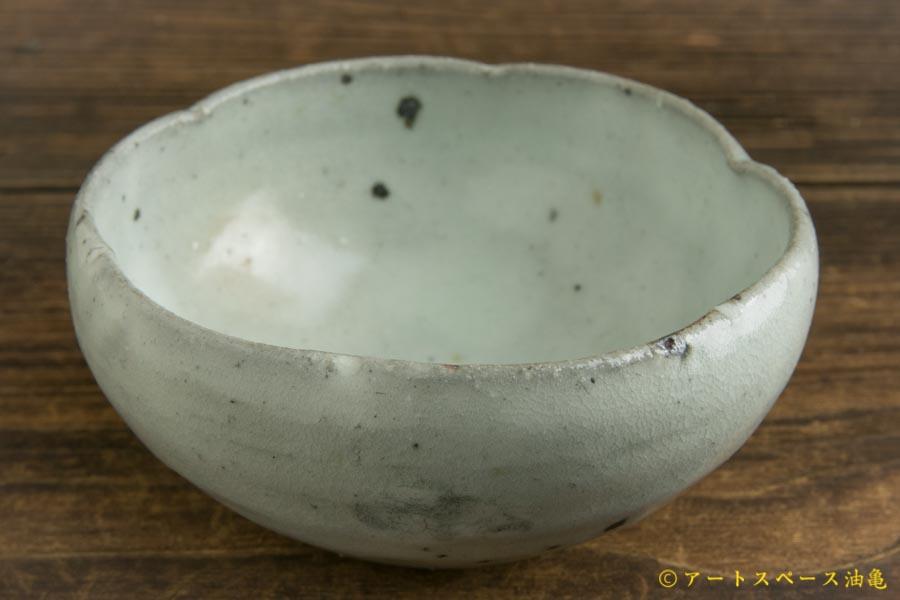 画像1: 八田亨「青粉引 3寸輪花鉢」