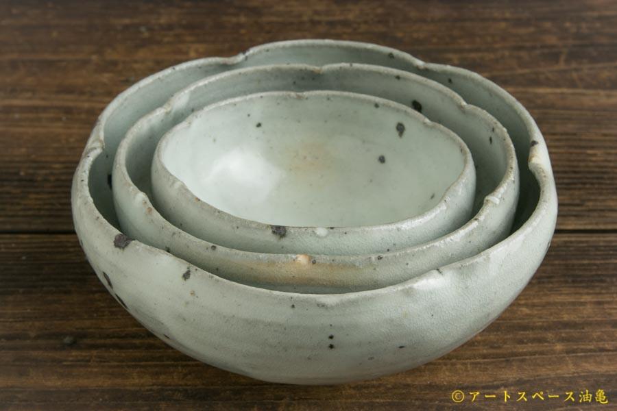 画像5: 八田亨「青粉引 4寸輪花鉢」