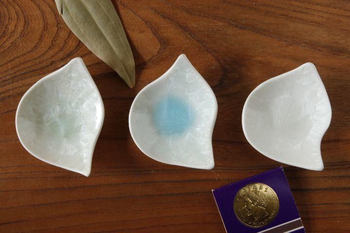 画像1: 間美恵「亜鉛華結晶 豆皿(ヒヨコ)」