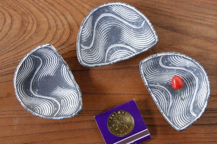 画像1: 肥後博己「流線紋半月皿」