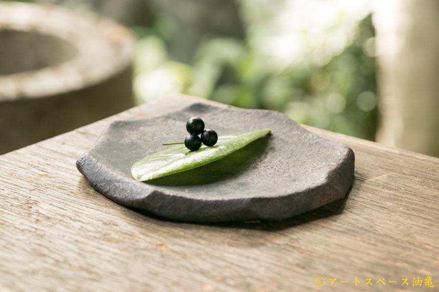 画像2: 加地学 黒化粧 八角皿