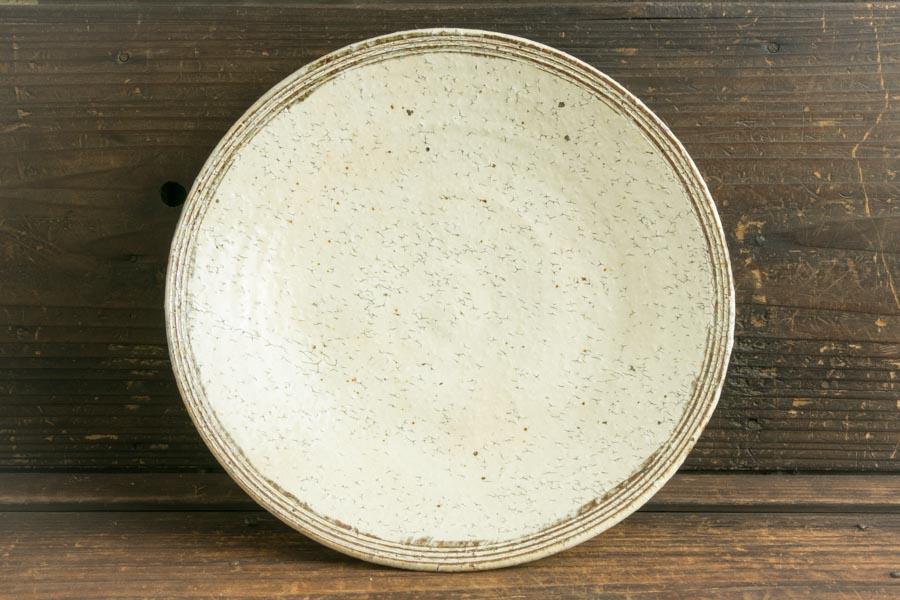 画像3: 工藤和彦「白樺ホワイトふち刻線たわみ8寸鉢」
