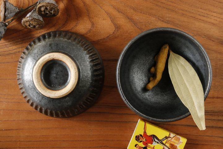 画像1: 益子淳一「鉄黒しのぎ豆鉢」【油亀限定作品】