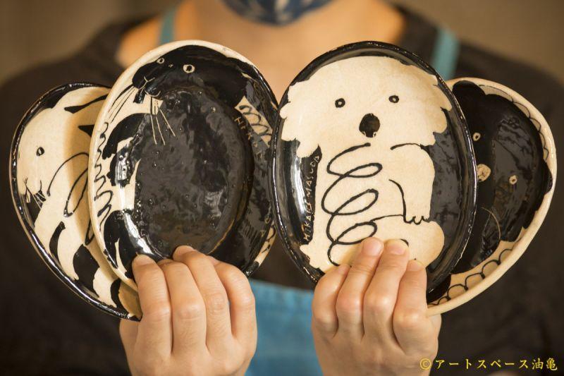 アートスペース油亀企画展 増田光のうつわ展「うおー!さおー!」より
