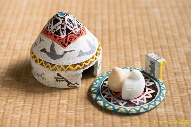 油亀のweb通販「油亀ジャーナル」より愛知県の陶芸家、増田光さんのテント型ふたもの