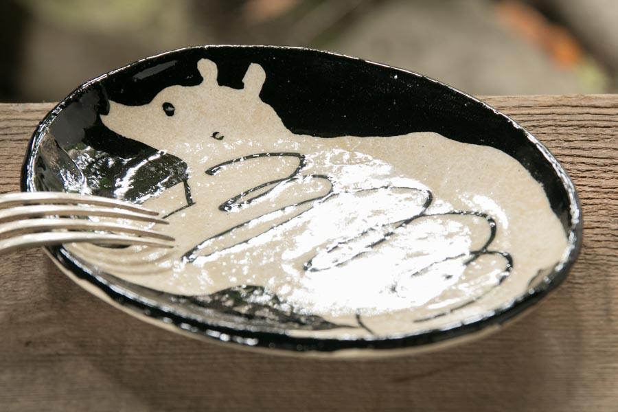 画像3: 増田光 白黒楕円皿(小)クマ