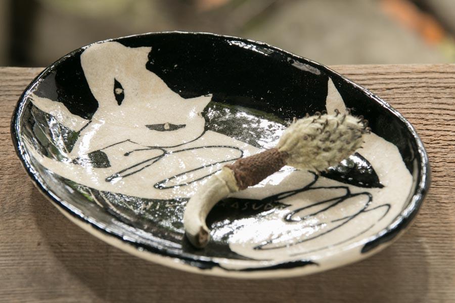 画像3: 増田光 白黒楕円皿(小)キツネ