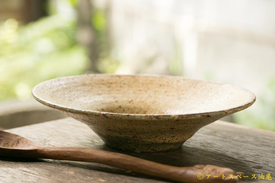 画像2: 馬渡新平 ヒビ粉引き 洋皿6.5寸