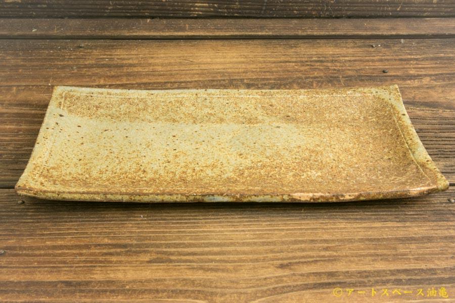 画像2: 馬渡新平「ヒビ粉引き 板皿25cm」