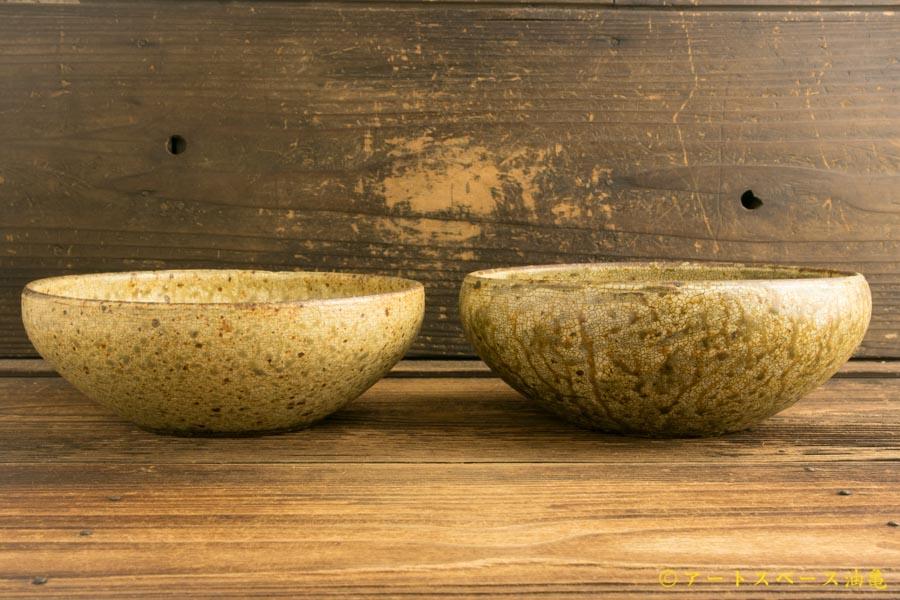 画像2: 馬渡新平「ヒビ粉引き 丸鉢6寸」