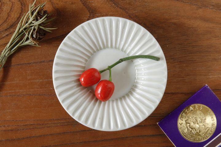 画像1: 小倉夏樹「白磁 鎬3寸リム皿」