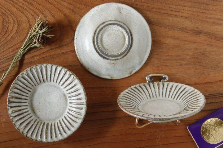 画像2: 小倉夏樹「灰粉引 鎬3寸リム皿」