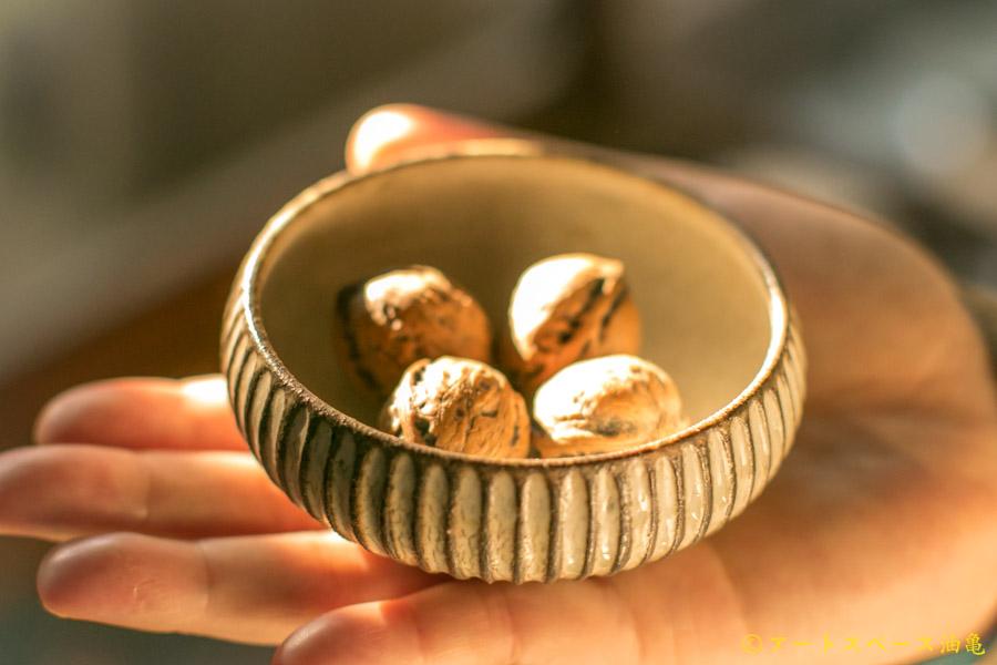 画像2: 小倉夏樹「灰粉引 鎬丸豆鉢」