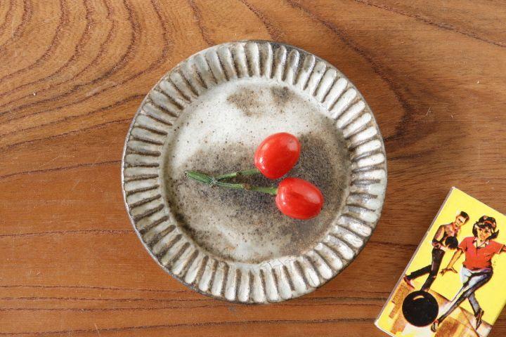 画像1: 小倉夏樹「灰粉引 鎬3寸リム平皿」