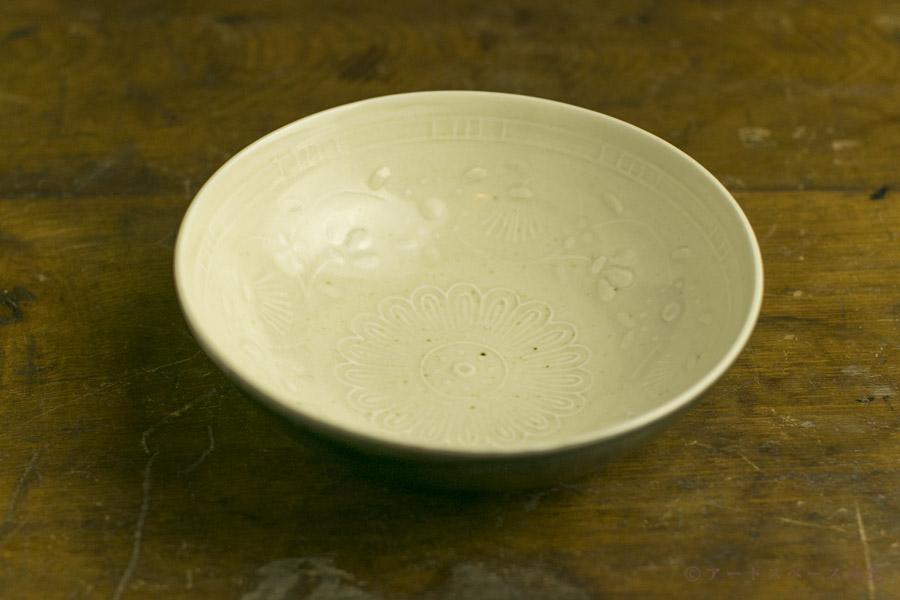 画像1: 田村文宏「白磁藍釉印花鉢」
