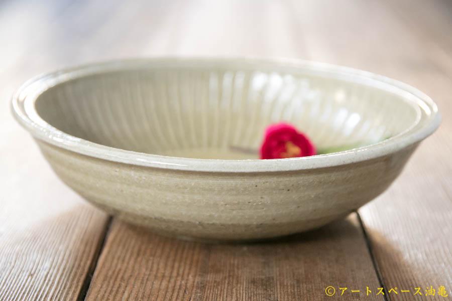 画像2: 田村文宏 灰釉印花 鎬鉢