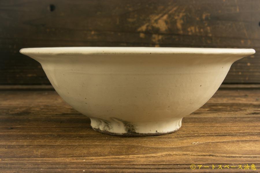 画像1: 八木橋昇 「粉引きマット リム盛り鉢6寸」