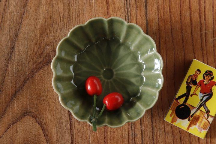 画像1: 柳川謙治「織部菊華輪花豆鉢」
