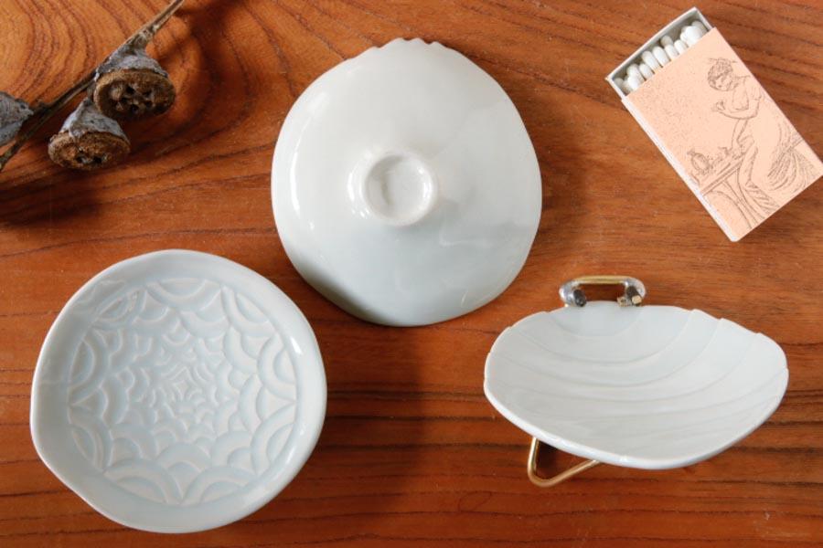 画像2: 柳忠義「ほりこみ青白磁 豆皿」