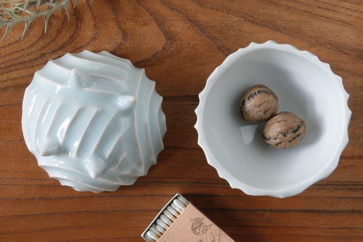画像1: 柳忠義「ほりこみ青白磁 豆鉢」