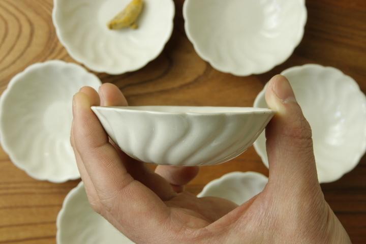 画像4: ヨシノヒトシ「白瓷捻貝殻鉢S」【アソート作品】