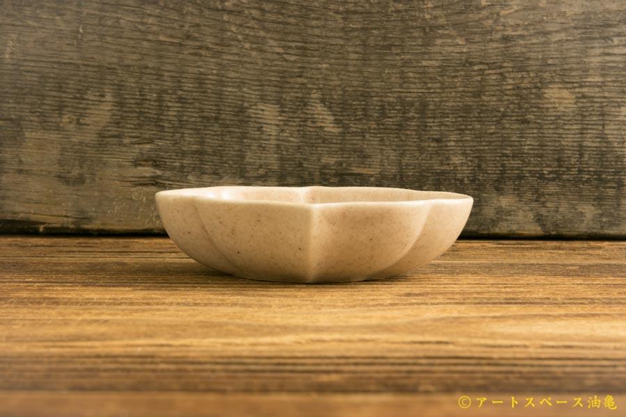 画像2: ヨシノヒトシ「淡桃釉輪花オーバル鉢S」【アソート作品】