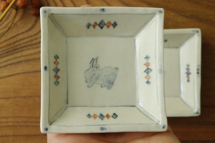 画像3: よしのちはる「兎 四角小皿」