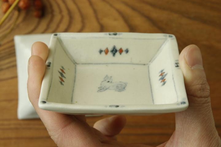 画像4: よしのちはる「兎 四角小皿」